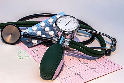 blood-pressure-monitor-1952924_1920